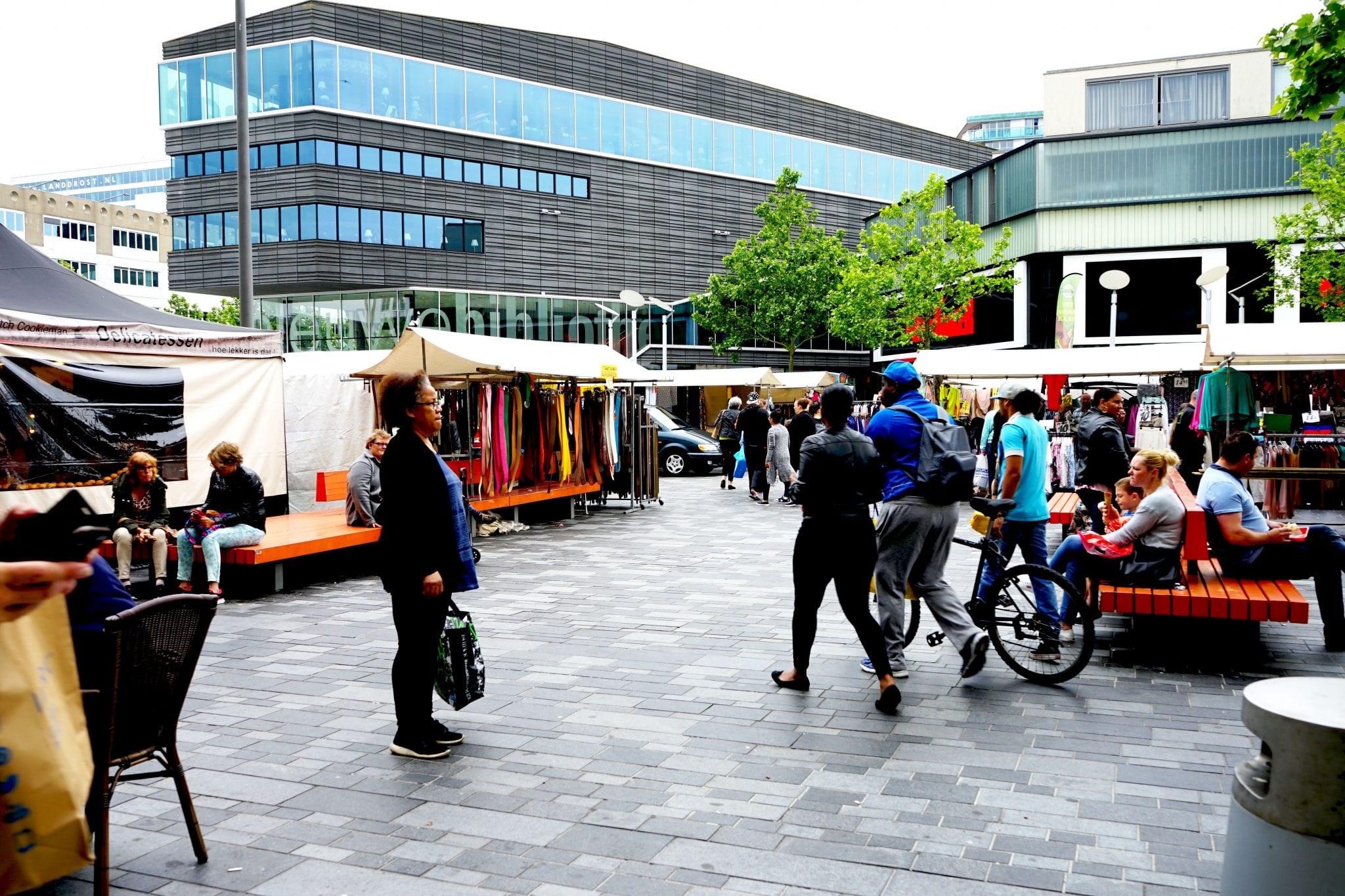 Weekmarkt Almere Stadhuisplein