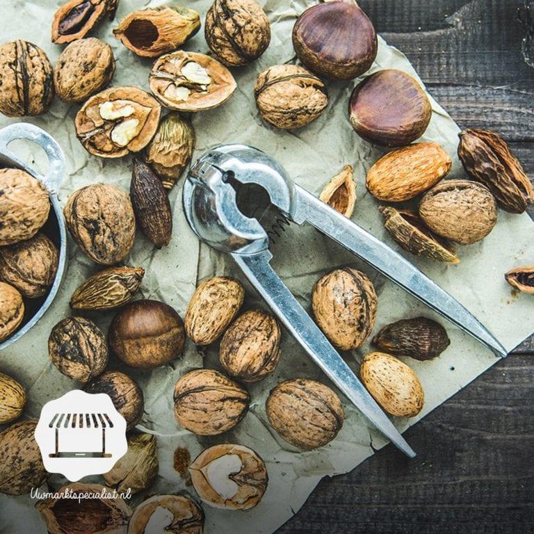 Herfsttip: noten zoeken op de markt