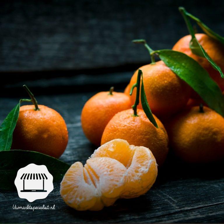 Clementine mandarijn met blad